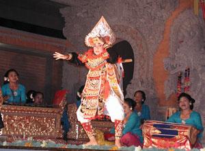 バリ島舞踊 キドゥリン・スワリ3