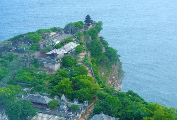 ウルワトゥ寺院上空