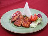 魚のBBQと生玉ねぎのサンバル、空芯菜炒め添えとライス