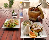 Ayam Tepi Pantai(浜辺のチキン料理)
