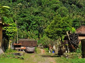 トゥンガナン村