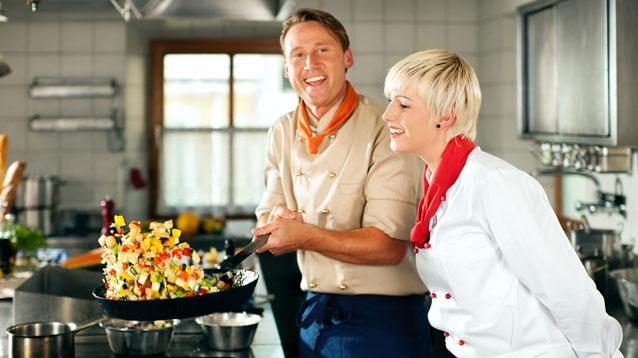 カップル・夫婦で想い出に残る旅行を!バリ島ハンターの人気ワルン&料理教室