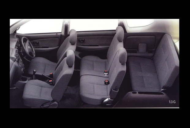 アパンザーの車内空間