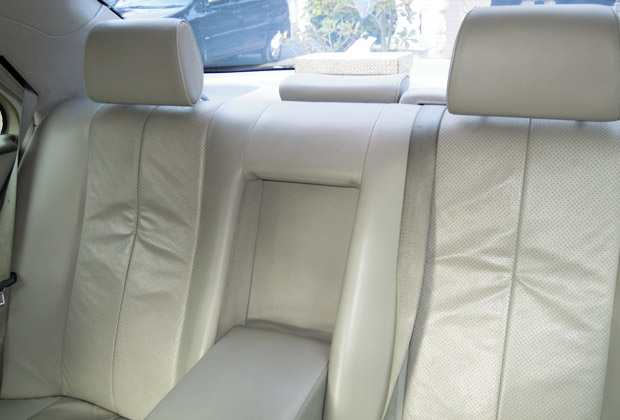 Comfortable Back Seat with Armrest