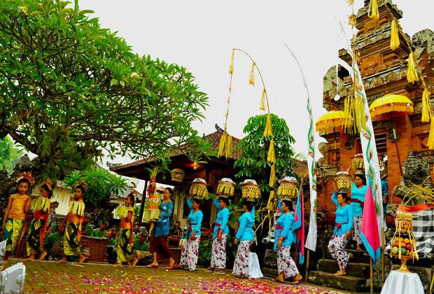 団体・学生旅行におすすめ!バリ島ターゲットのダンス