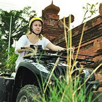 バリ島 Pertiwi Quad Adventure ATVライド 伝統的な村
