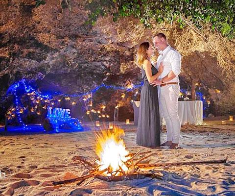 バリ島 サマベ 二人でロマンチックなひと時をお過ごしいただけます
