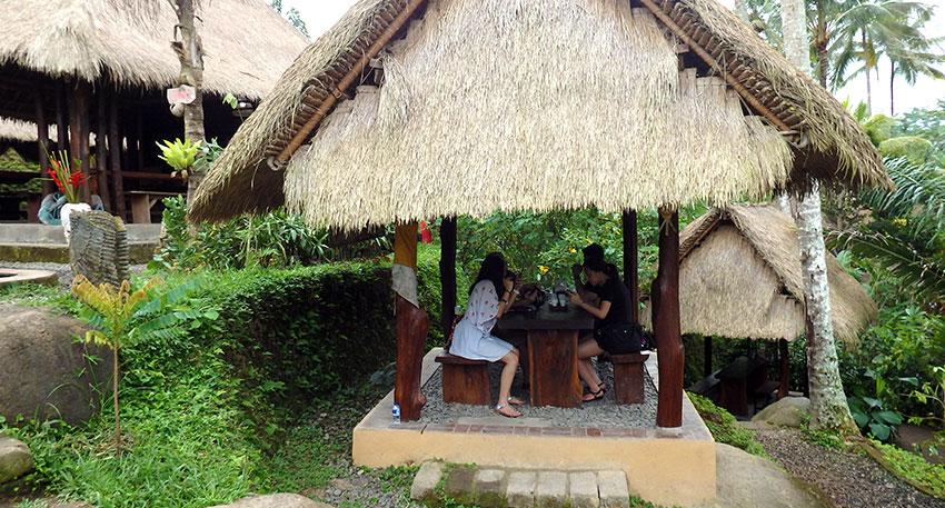 バリ島の雰囲気満載のコーヒーショップ