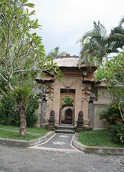 バリ島スパ 中庭の門