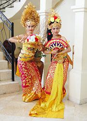 バリラトゥ 伝統舞踊コスチューム1