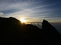 アグン山 日の出
