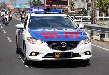 警察エスコートサービスバリ1
