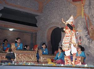 バリ島舞踊 キドゥリン・スワリ2