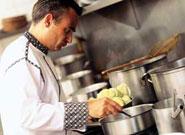 フランス大使公邸料理人を勤めたこともあるシェフ