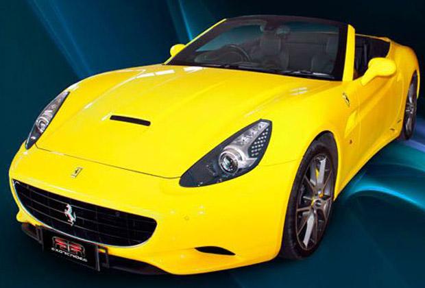黄色いボディが特徴のフェラーリ外観