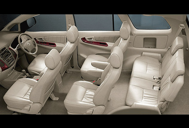 イノヴァは、最大6名様まで乗車可能です