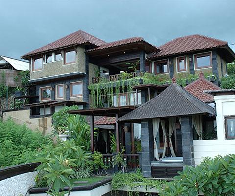 バリ島ヌサドゥアの小高い丘に建つスパ