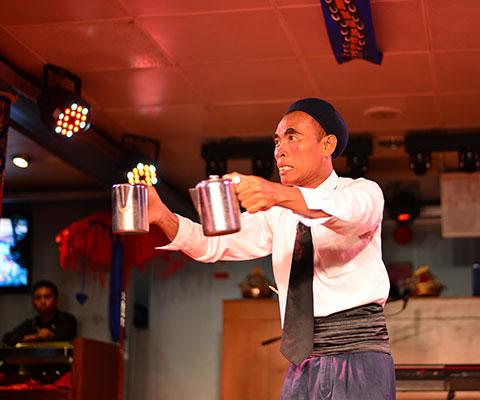 マジシャン・ヨーヨーによるマジックショー