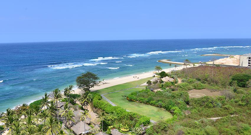 ヌサドゥアビーチはホワイトサンドが特徴