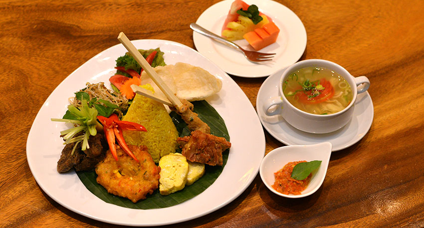 夕食はレゴンディナー(インドネシア料理) スタンダード