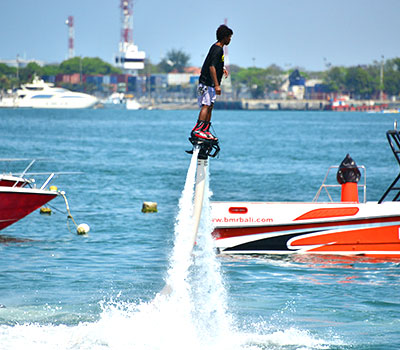 バリ島 厳選マリンスポーツ フライボード 画像