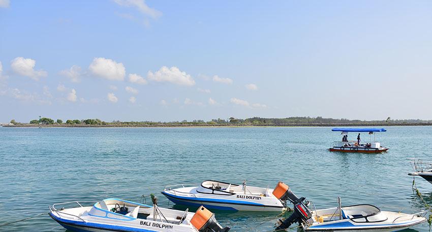 バリ島南部タンジュンベノアから出発します