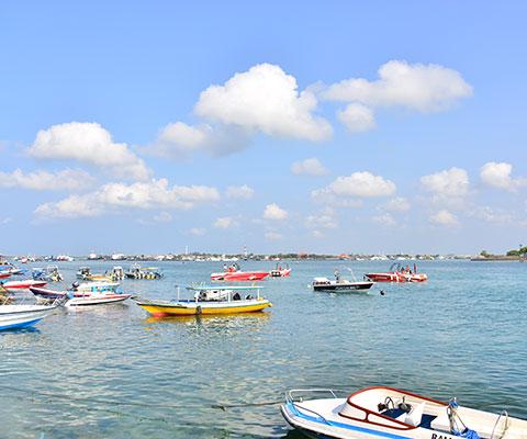 バリ島南部タンジュンベノアの端で催行しています