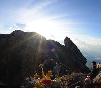 バリ島 アグン山 日の出トレッキング 画像