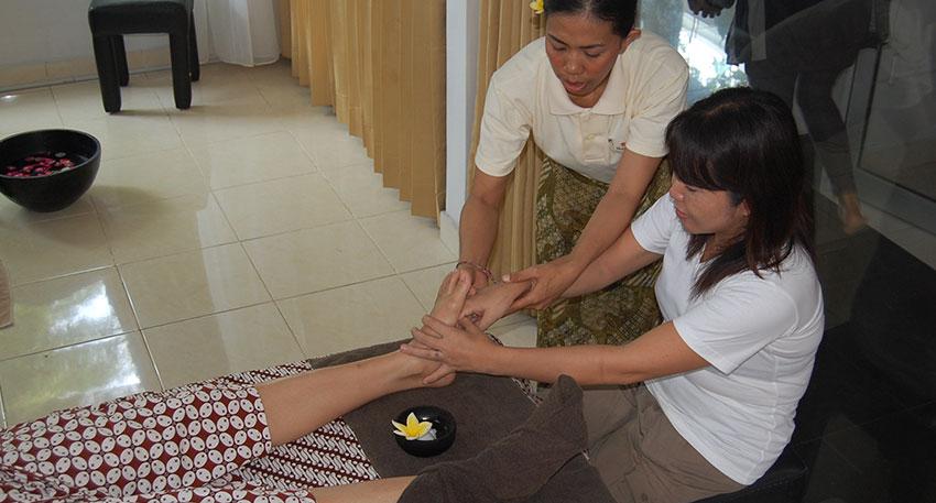 講習は英語またはインドネシア語となります