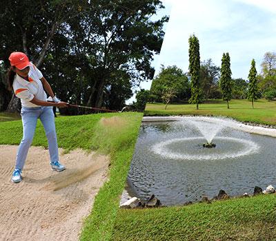 バリ島 バリ ビーチ ゴルフ 画像