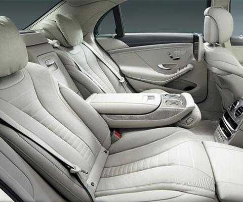 贅沢な車でバリ島の旅をご満喫ください