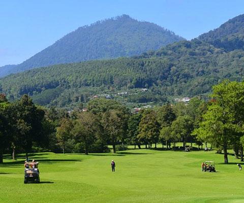 標高1142mの人気避暑地ブドゥグル高原にあります