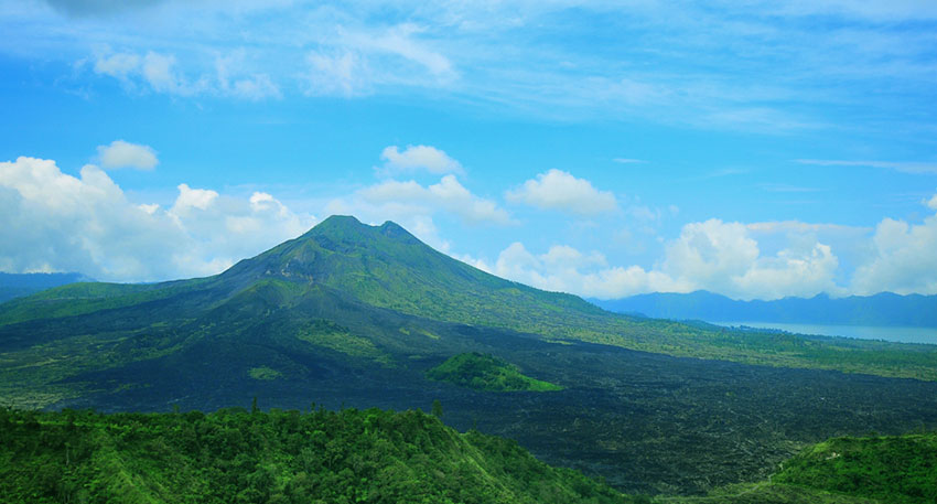 バリ島随一の景勝地キンタマーニ高原