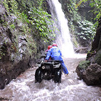 バリ島 KUBER BALI ATVライド 滝