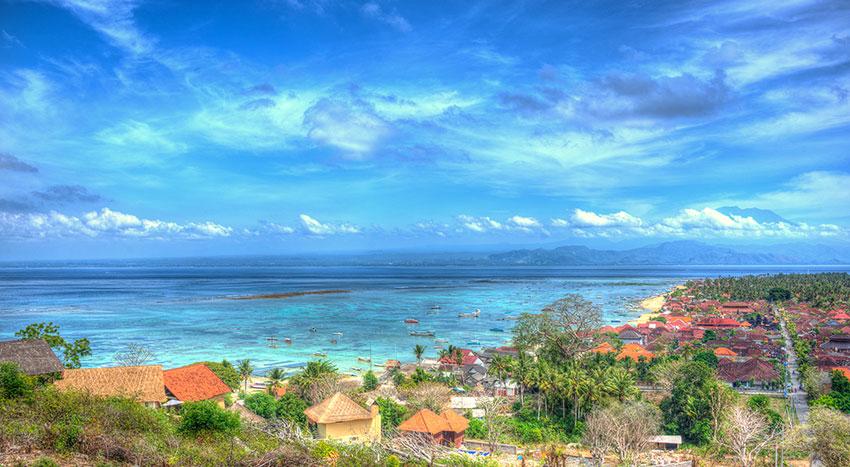 素朴な景色が広がるキレイなレンボンガン島