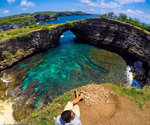 ヌサペニダの島内を観光