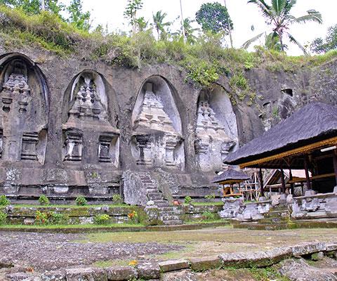 11世紀の王家の陵墓が迫力のあるグヌンカウィ遺跡
