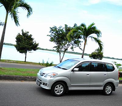 バリ島 お抱え送迎車 画像