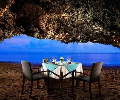 バリ島 サマベ ロマンチック洞窟ディナー