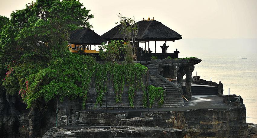 世界的に有名なタナロット寺院