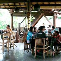 バリ島 バリ タロ アドベンチャー チュービング インドネシア料理セットメニュー