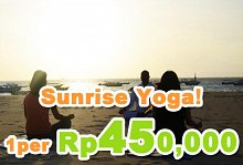 バリ島 観光Sunrise Yoga at Beach Whacho Beach Club